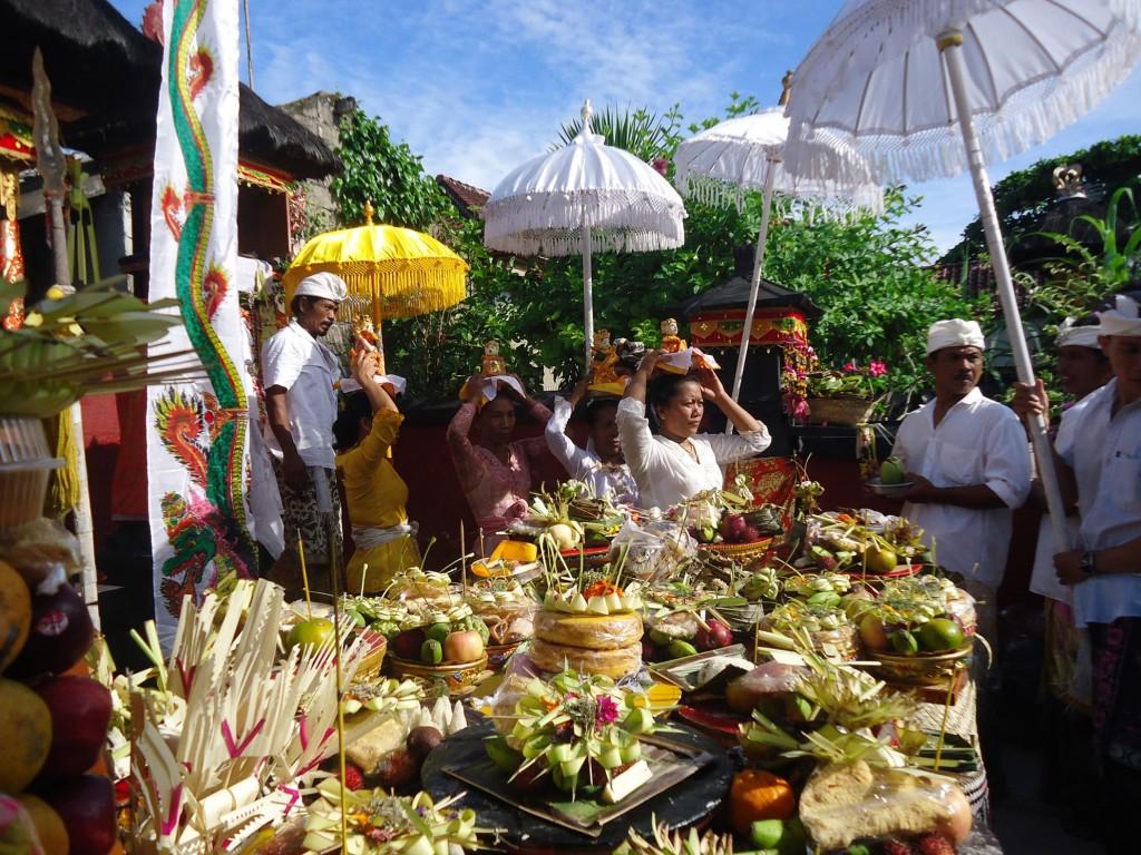Balinese ceremonies-min